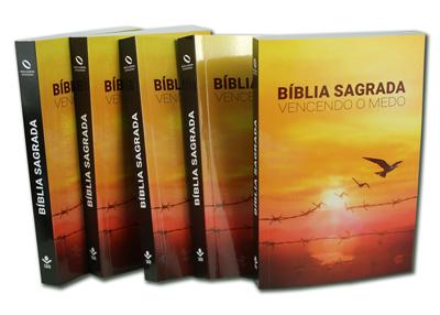 Imagem de 5 unidades a Bíblia Sagrada Vencendo o Medo